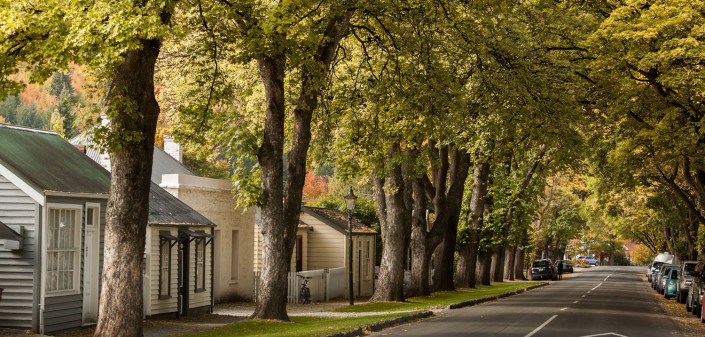 Scenic Arrowtown, and the Autumn Festival