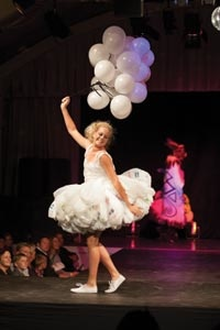 Arrowtown Autumn Festival Art 2 Wear Competition